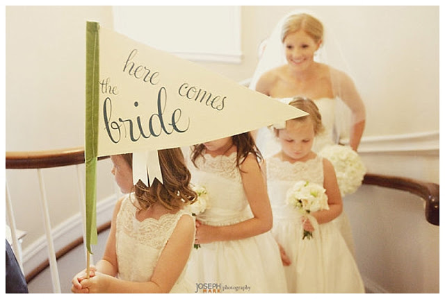 Here_Comes_The_Bride_Signs_Bridesmaid_Ideas_Wedding_Inspiration_Before_the_Big_Day_Wedding_Blog_UK_092